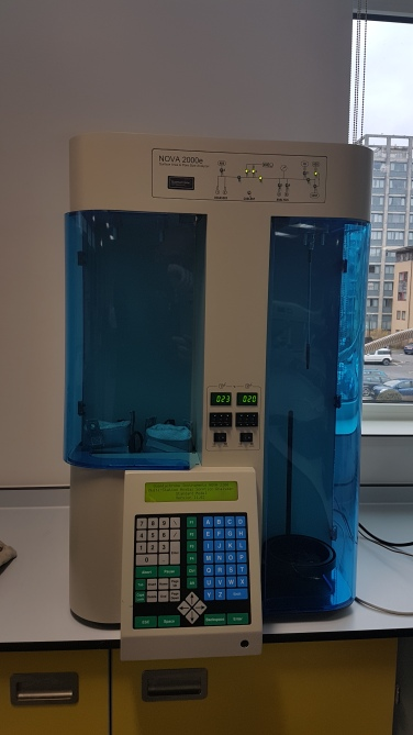 BET Surface area analyser Quantachrome NOVA 2000e A very flexible instrument, which allows the evaluation of BET surface area and pore size distribution (PSD) for polymeric materials. It is possible to run measurements with N2 and CO2. https://www.quantachrome.com/pdf_brochures/07122.pdf